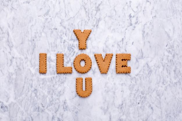 Lettres cookies je t'aime sur marbre