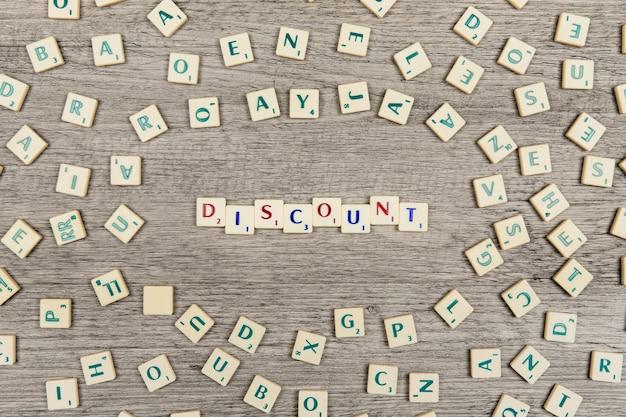 Lettres formant le mot discount