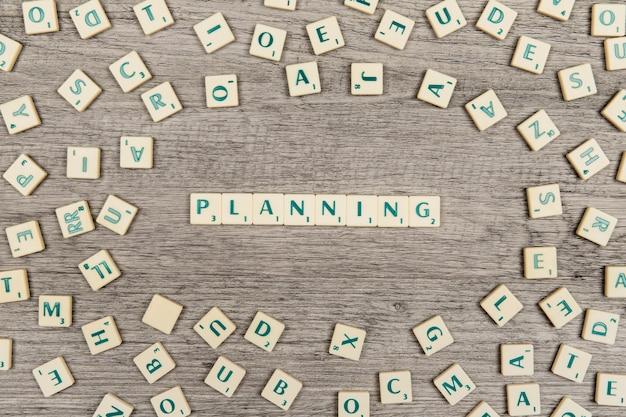 Lettres formant la planification des mots