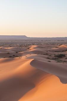 Lever du soleil du désert