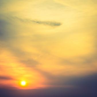Lever de soleil sur ciel