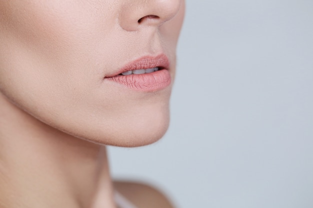 Lèvres féminines