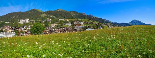 Leysin dans les alpes à ormont dessus en suisse