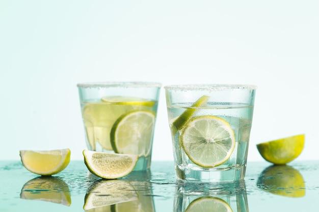 Libre d'un cocktail de cabillaud ou de vodka canneberge