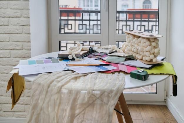 Lieu de travail de designer textile, décorateur d'intérieur
