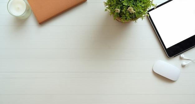 Lieu de travail freelance minimal avec espace de copie