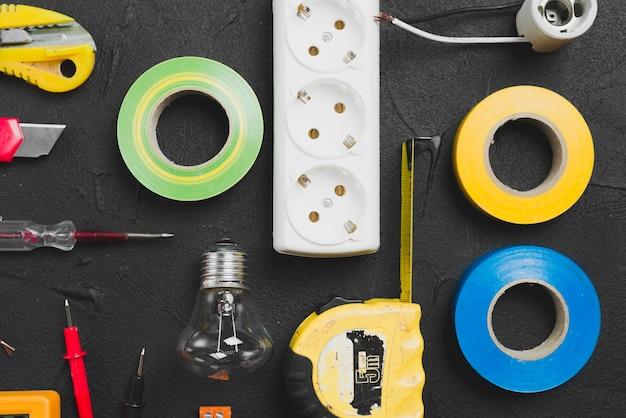 Lieu de travail avec des outils électriques