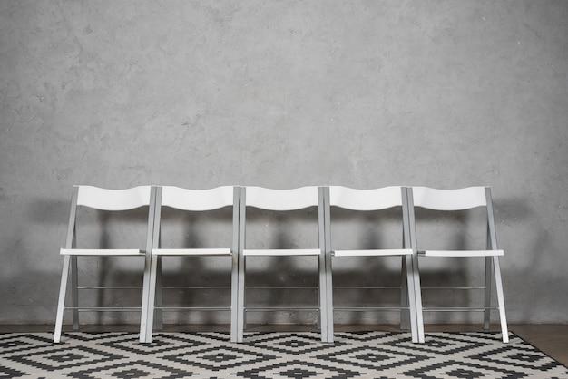 Ligne de chaises