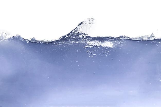 La ligne de flottaison flottante de vague d'eau liquide d'océan a isolé l'inderwater, écologie pure fraîche