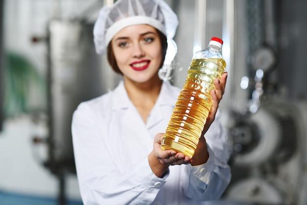 Ligne de production alimentaire d'huile raffinée.