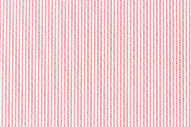 Ligne rayée rouge sur toile de fond texturée tissu blanc