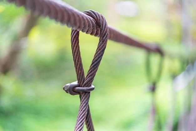 Ligne de vie en câble d'acier sur le pont