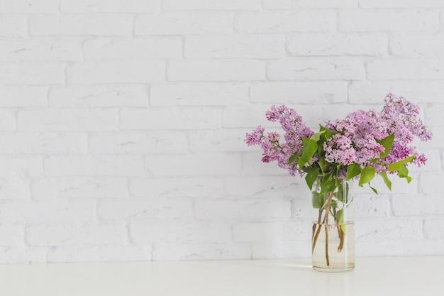 Lilas dans un vase
