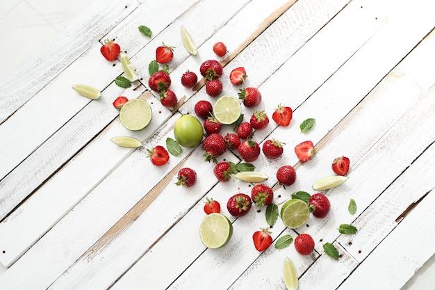 Limes, baies et feuilles
