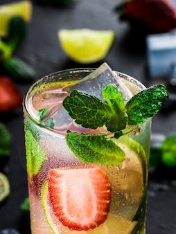 Limonade aux fraises, citron vert et menthe