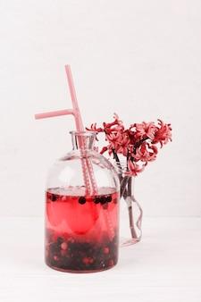 Limonade aux fruits et fleurs