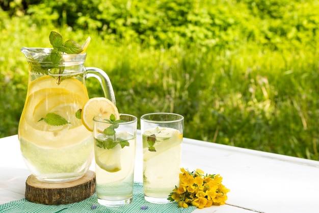 Limonade d'été rafraîchissante.