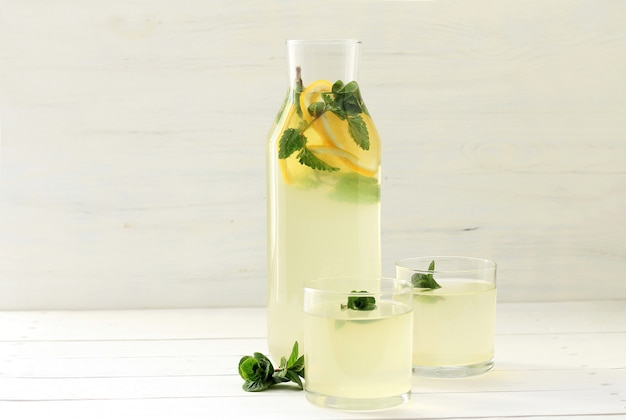 Limonade maison en bouteille,
