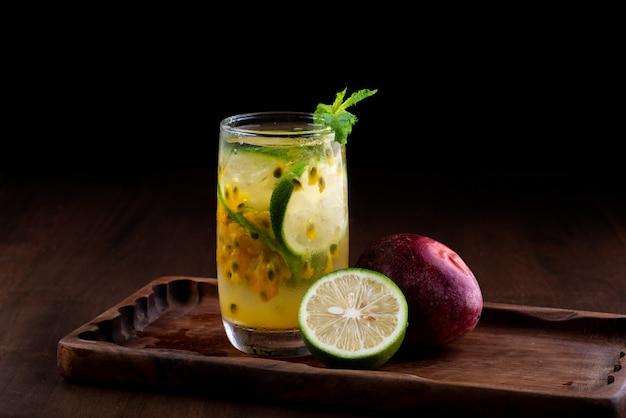 Limonade verte aux fruits de la passion surgelée en été