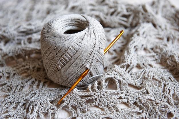 Lin tricoté main, pelote de fil naturel