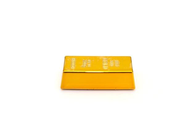 Lingot d'or isolé.