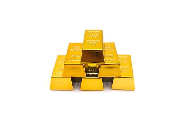 Lingots d'or isolés.