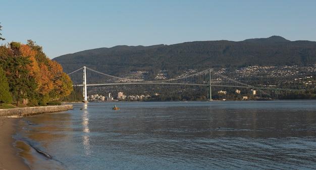 Lions gate bridge à vancouver, colombie-britannique, canada