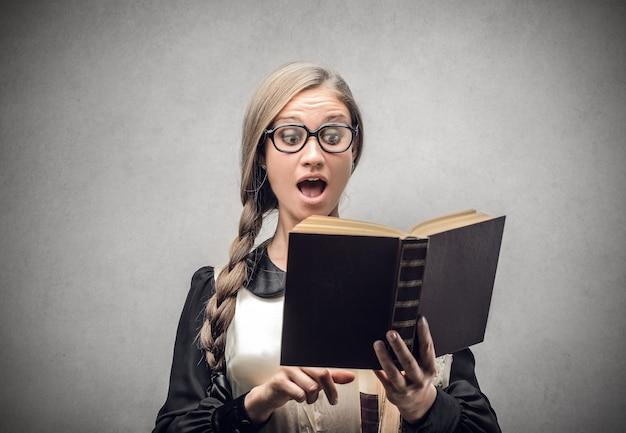 Lire une histoire intéressante
