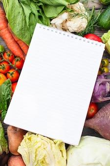 Liste de courses sur les légumes avec espace de copie