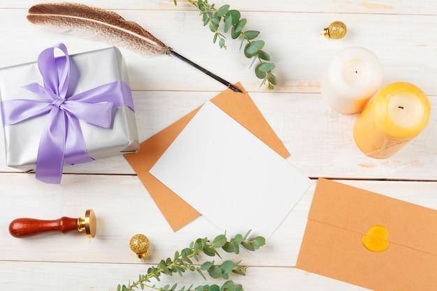 Liste de tâches pour le nouvel an, concept de noël écrit sur fond en bois