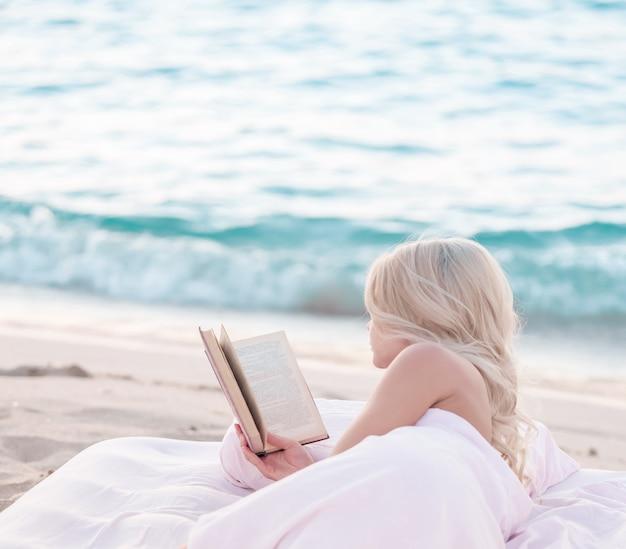 Lit douillet et confortable près de la mer