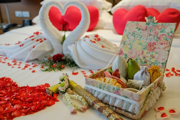 Lit de mariage, mariage en thaïlande, lit romantique
