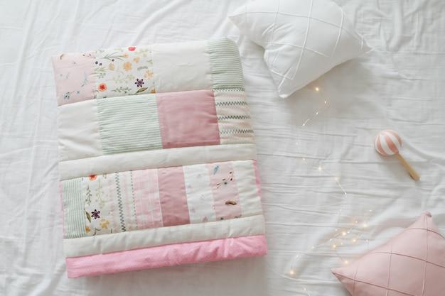 Literie Bébé Et Textile Pour Crèche Photo Premium
