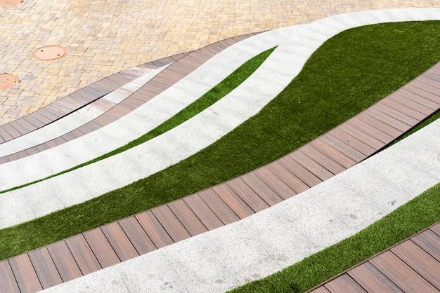 Lits inférieurs avec pelouse et sièges