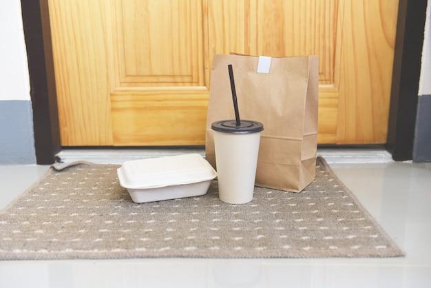 Livraison en cas de pandémie restez à la maison, achat en ligne boîtes alimentaires sans contact