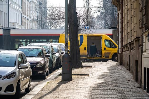 Livraison des envois en voiture en ville