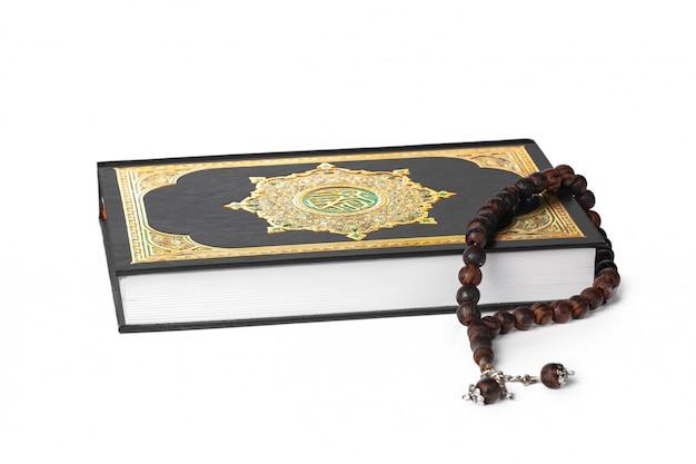 Livre islamique saint coran et perles
