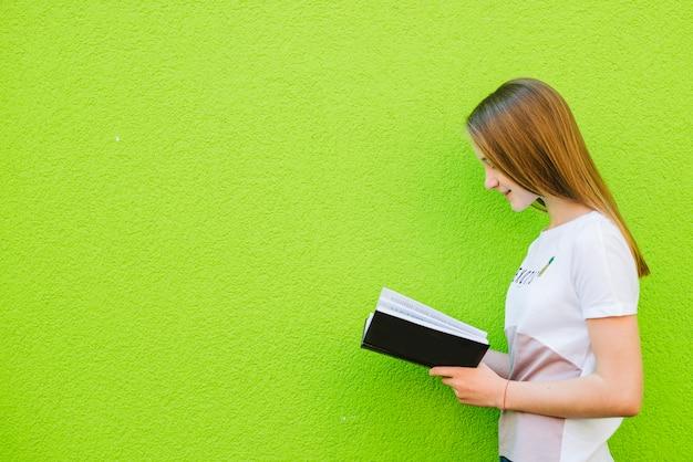 Livre de lecture de youngster
