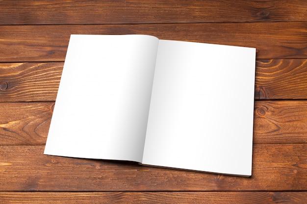Livre ouvert, magazine ou catalogue ouvert