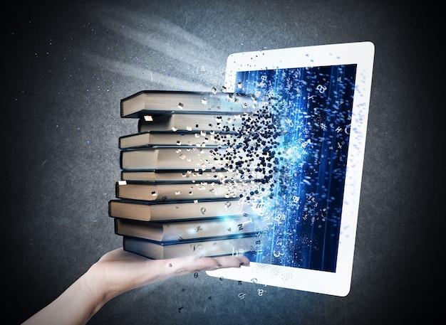 Les livres entrent dans l'écran d'un livre électronique