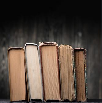 Livres sur l'étagère