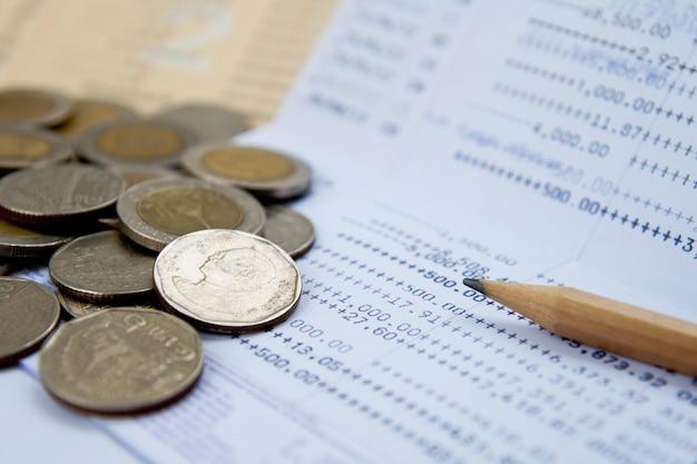 Livret de compte et monnaie thaïlandaise