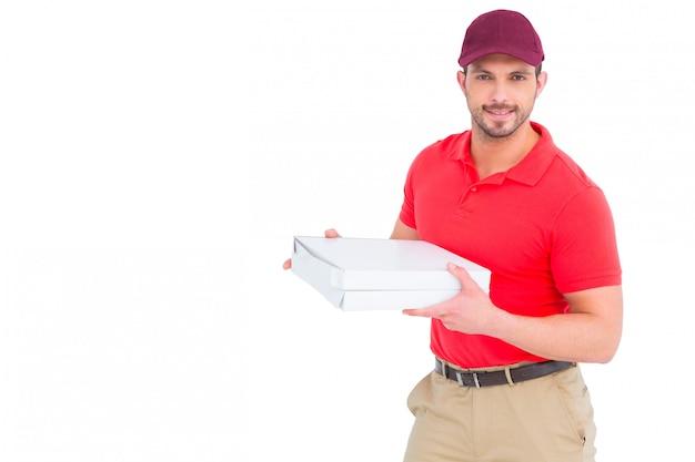 Livreur donnant des boîtes à pizza