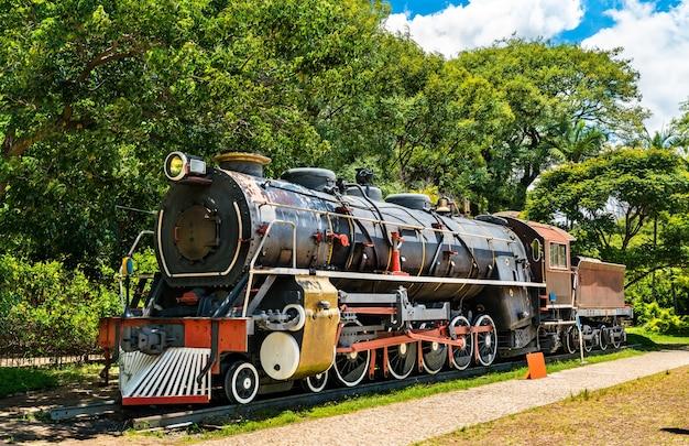 Locomotive à vapeur au catavento science museum à sao paulo