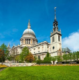 Londres, cathédrale saint-paul au printemps