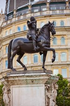 Londres trafalgar square king charles i