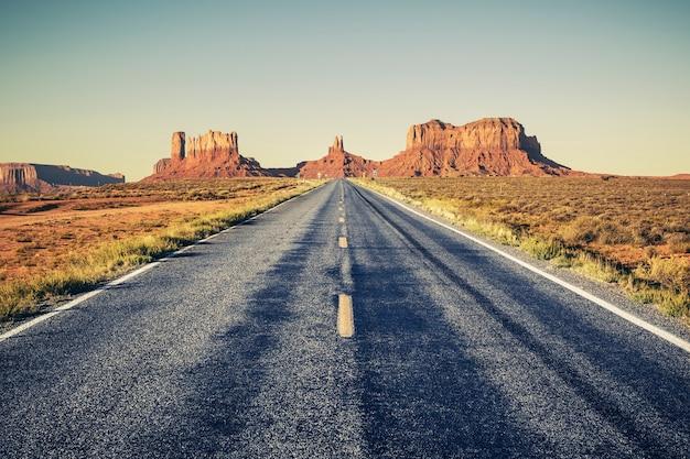 Longue route de monument valley, usa