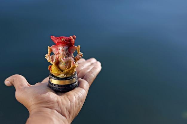 Lord ganesha à portée de main