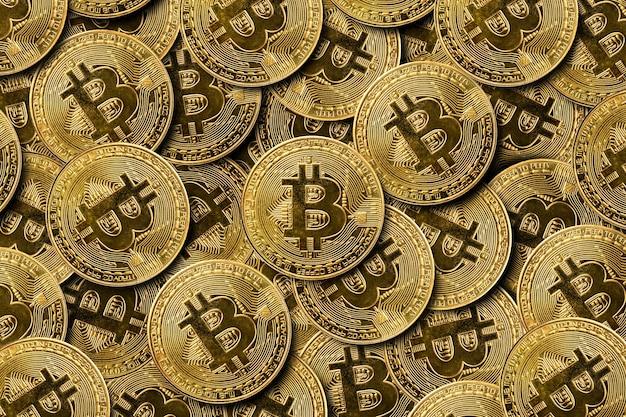 Lot de pièces de monnaie bitcoin. modèle. bannière. mise à plat, vue de dessus.