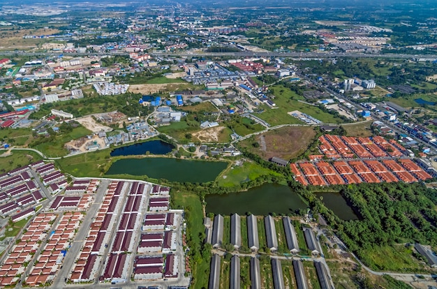 Lotissement industriel et zone résidentielle
